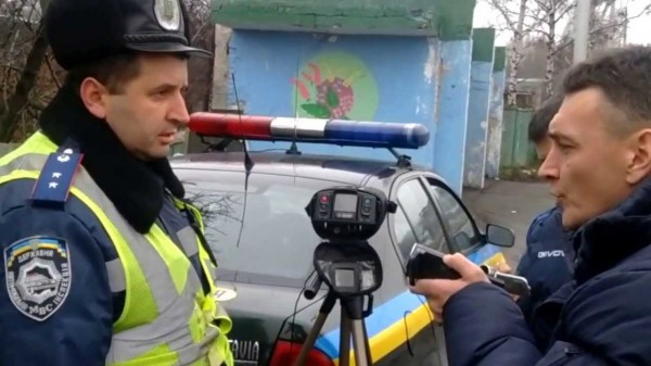 Ларченко на своем канале активно борется с ГАИ