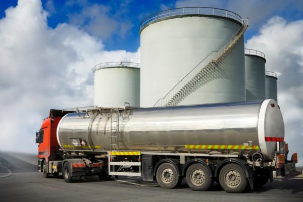 Продажи бензинов снижаются