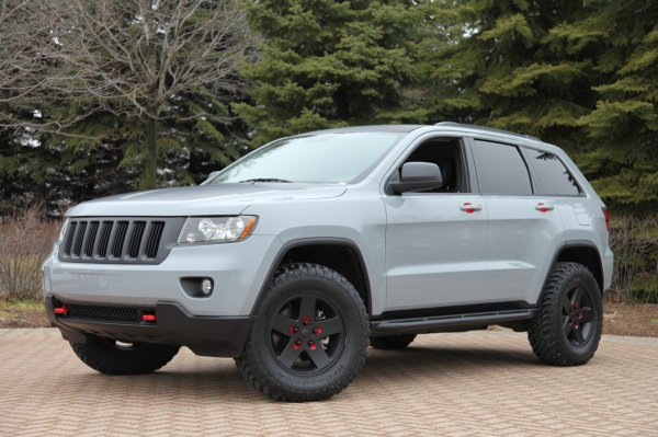 Jeep Grand Cherokee с аксессуарами Mopar
