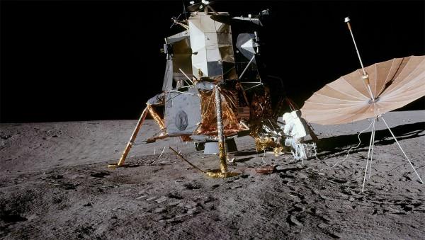 Россияне хотят доказать, что американцев на Луне не было