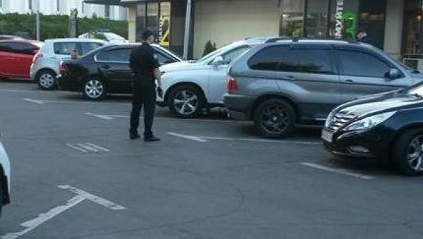 Полицейские нашли заминированную машину