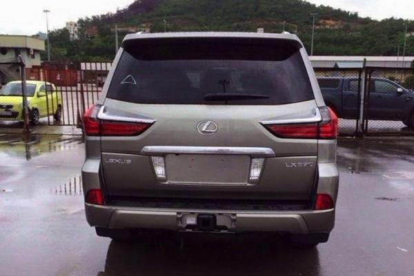 Обновленный внедорожник Lexus LX