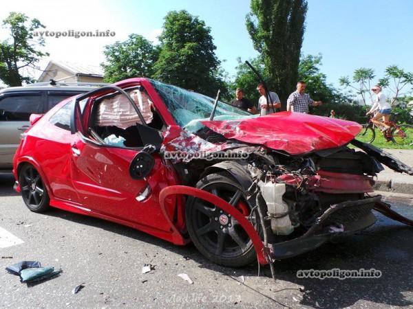 Хонда в результате ДТП была уничтожена