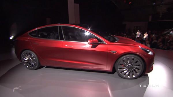 Компания Tesla представила Model 3