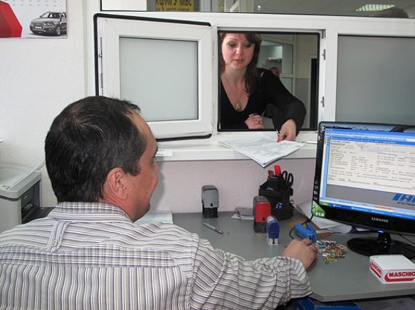 В ГАИ обещают выдавать документы в течение 5 дней