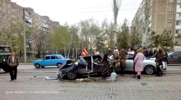 Два авто боевиков столкнулись