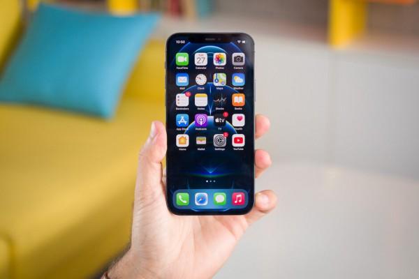 Смартфон получит TouchID