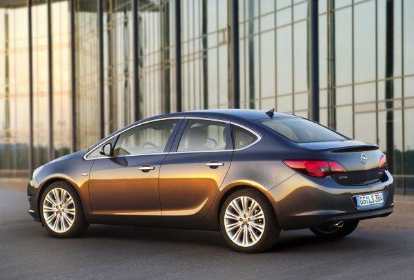 Вживую Opel Astra покажут на Московском автосалоне