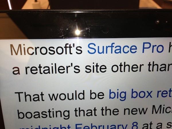 Microsoft Surface Pro - четкость дисплея потрясающая, буквы словно нанесены на бумагу, а не отображаются на ЖК-экране