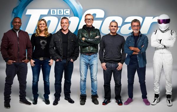 Новая команда ведущих - шесть с открытыми лицами и один Стиг