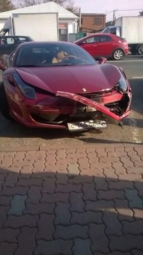 Машина не сильно пострадала