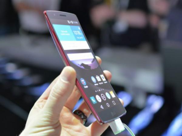 Новый изогнутый телефон выйдет в марте