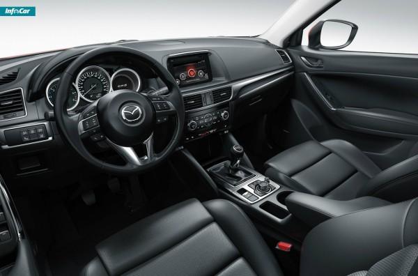 В салоне поставили новый монитор и систему Mazda Connect