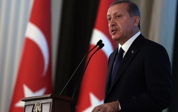 Эрдоган известен своим негативным отношением к социальным сетям и мобильным приложениям