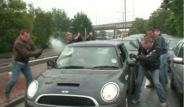 Шумных гонщиков в Кременчуге будут бить битами. Должно помочь
