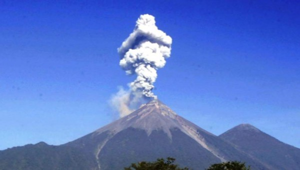Извержение вулкана началось 2 марта
