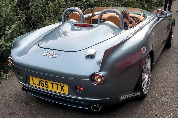Новый серийный спорткар Bristol рассекретили до премьеры