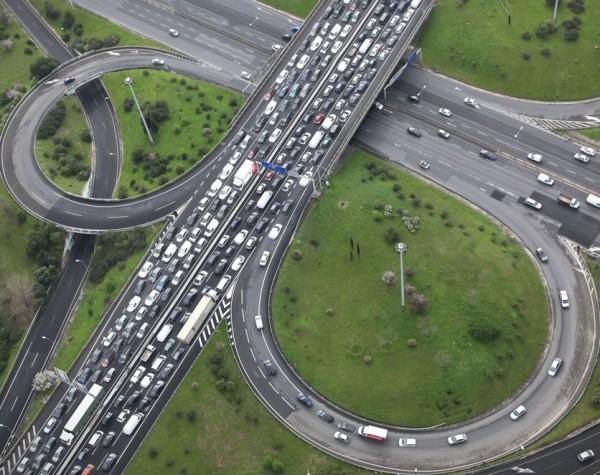 Самые большие пробки - в Москве, Стамбуле и Варшаве