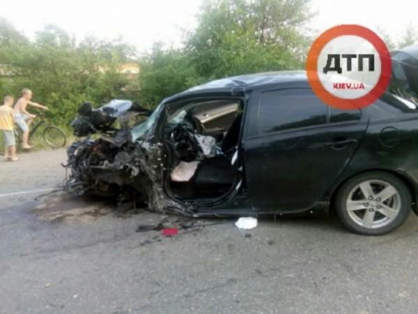 Водитель авто погиб на месте