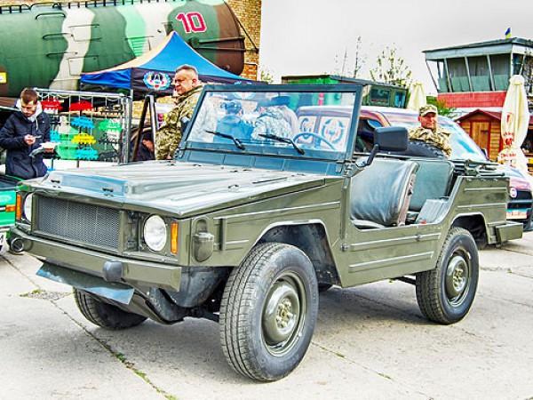 Ретрокары в Киеве - армейский Volkswagen