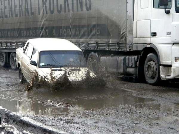 Хуже, чем в Украине, дороги только в 7 странах мира