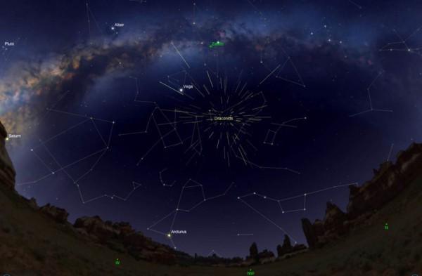 На этой карте звездного неба показан радиант метеорного потока Драконид или точка, из которой, по-видимому, происходят метеоры