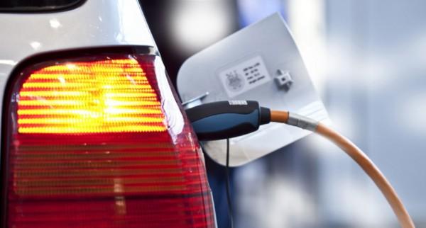 Электромобили станут немного дешевле