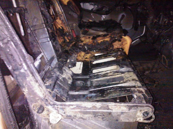 В двух из четырех случаев за сутки машины подожгли