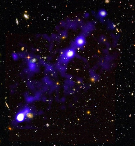 Водородная нить длиной около 15 миллионов световых лет, обнаруженная MUSE в созвездии Форнакс - фоновое изображение получено Хабблом