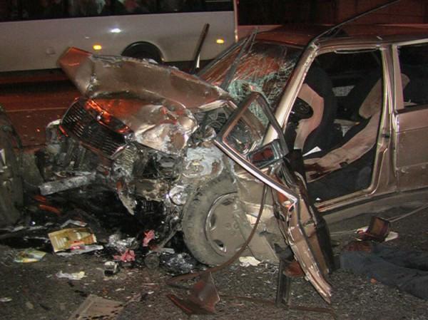 Водитель Mitsubishi выехал на встречку и протаранил две машины