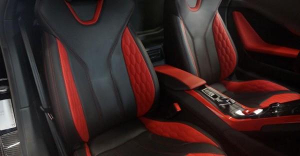 Обновленній интерьер Lamborghini Huracan