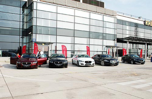 Презентация нового Jaguar XF