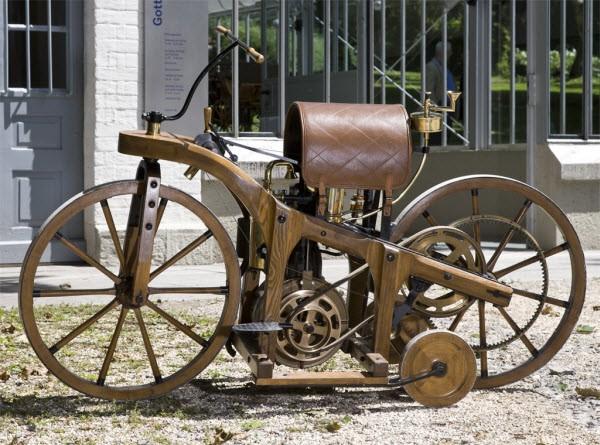 Модель мотоцикла Даймлера