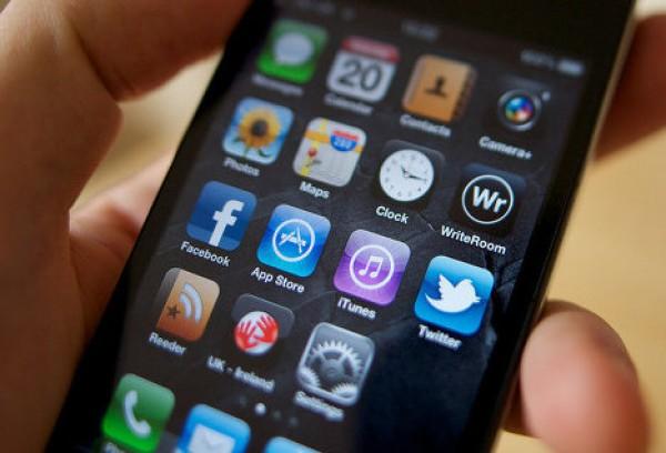 Смартфоны и планшеты дешевеют очень быстро