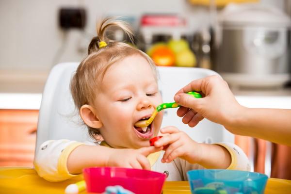 """Как кормить ребенка при частых """"ацетонах"""""""
