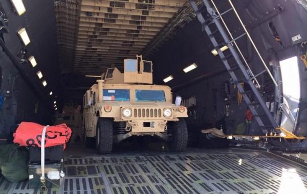 Первые Humvee спускаются в Борисполе