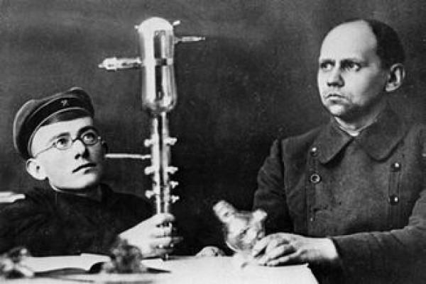 Борис Грабовский слева