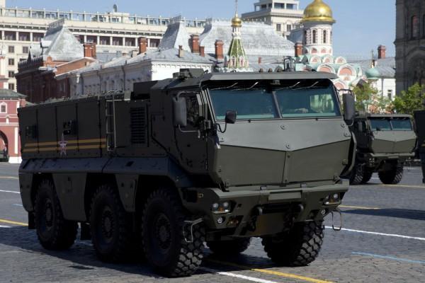 Армии нужны грузовики и спецтехника, а не обычные легковушки