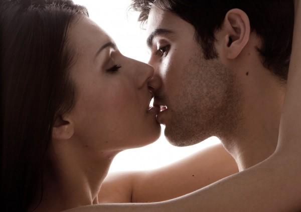 Как правильно целоваться по-французски