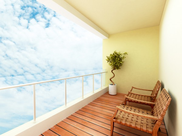 Как отремонтировать балкон внутри