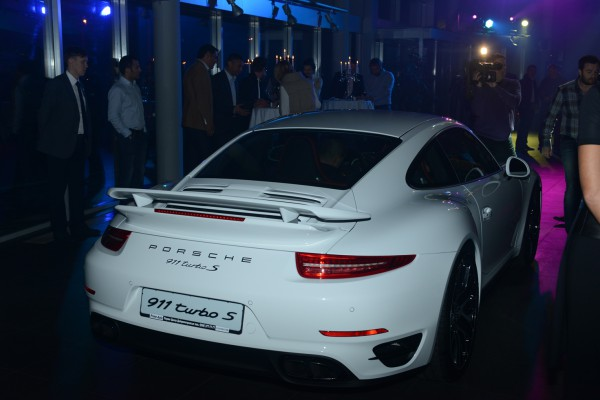 Новый Porsche 911 Turbo S стоит больше 200 тысяч евро