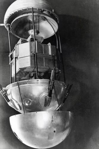 Спутник-1 в разобранном состоянии
