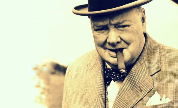 Черчиль был неразлучен с сигарами, виски и постелью