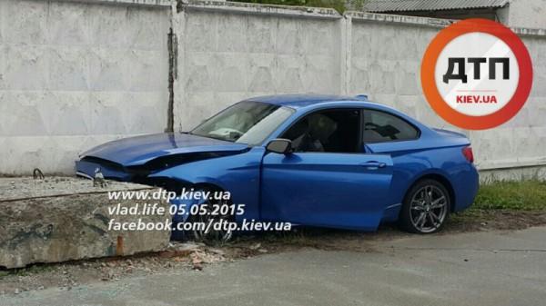 BMW M235i попал в аварию