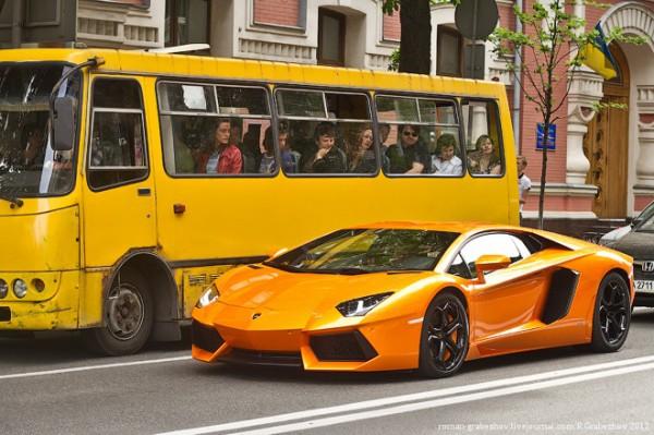 4) Lamborghini Aventador. Цена — 4 000 000 гривен