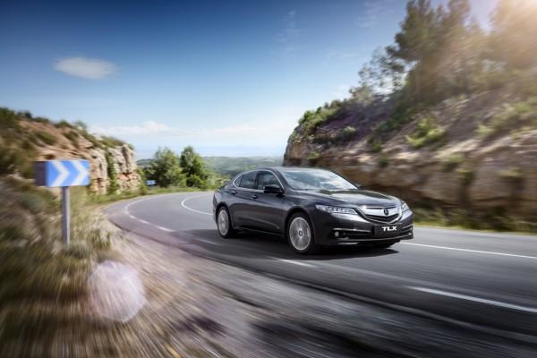 Модель Acura TLX доступна в Украине
