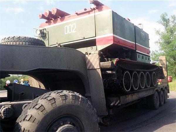 В Васильков прибыли пожарные танки