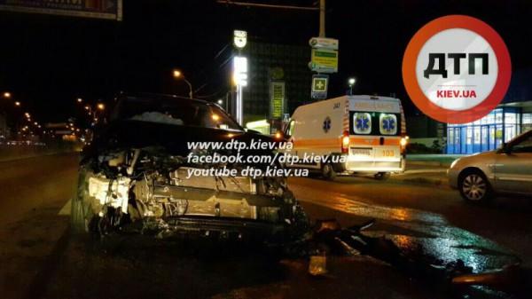 Авария Toyota в Киеве