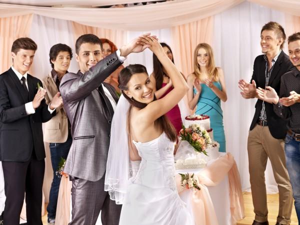 Как выбирать ди-джея на свадьбу