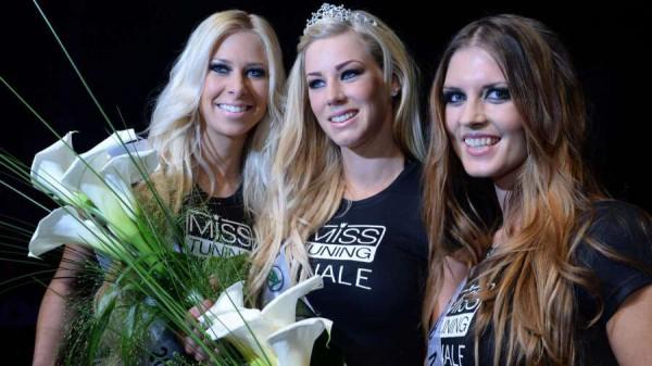 Победительница конкурса Tuning World Bodensee 2013 года Леона Хагмайер-Райнер и две девушки, занявшие второе и третье места - Анжела Кучер и Агнешка Красна.